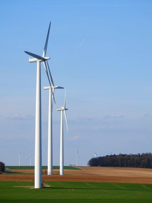 Quinbrook Begins Construction of 300-Megawatt Wind Facility